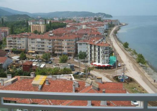 Yalova Çınarcık merkez'de denize sıfır satılık daire